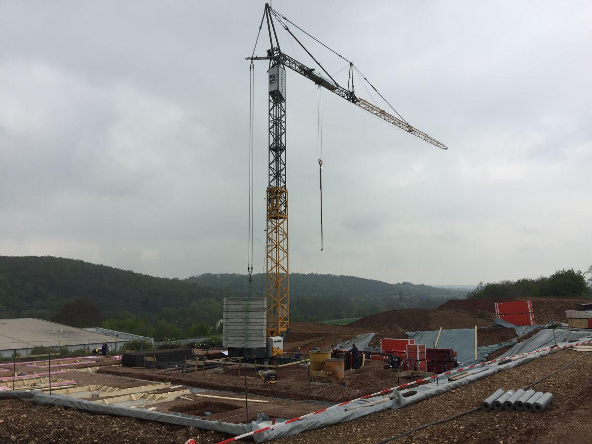 Der Baustellenkran in Hargesheim | microtech.de