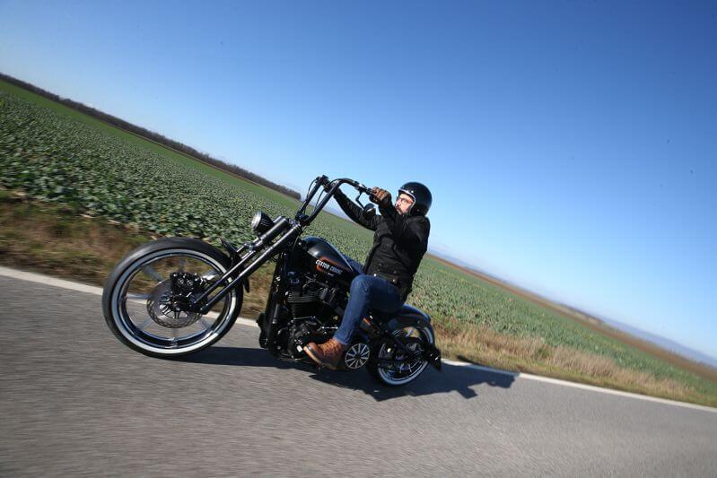 Custom Chrome Europe | Harley-Davidson